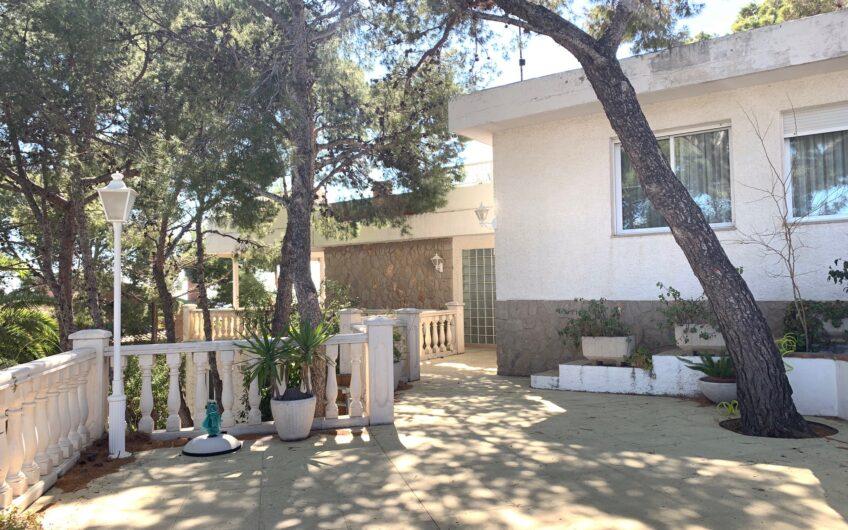 Villa individual en Playetas